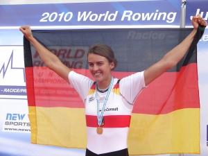 Judith mit deutscher Flagge